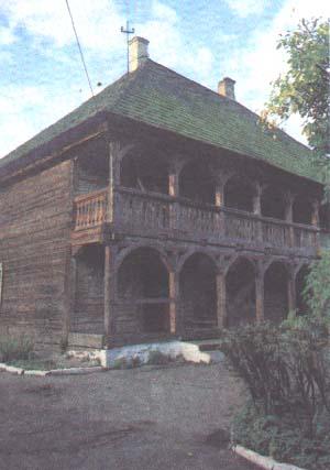Лямус на территории бывшего монастыря бригиток
